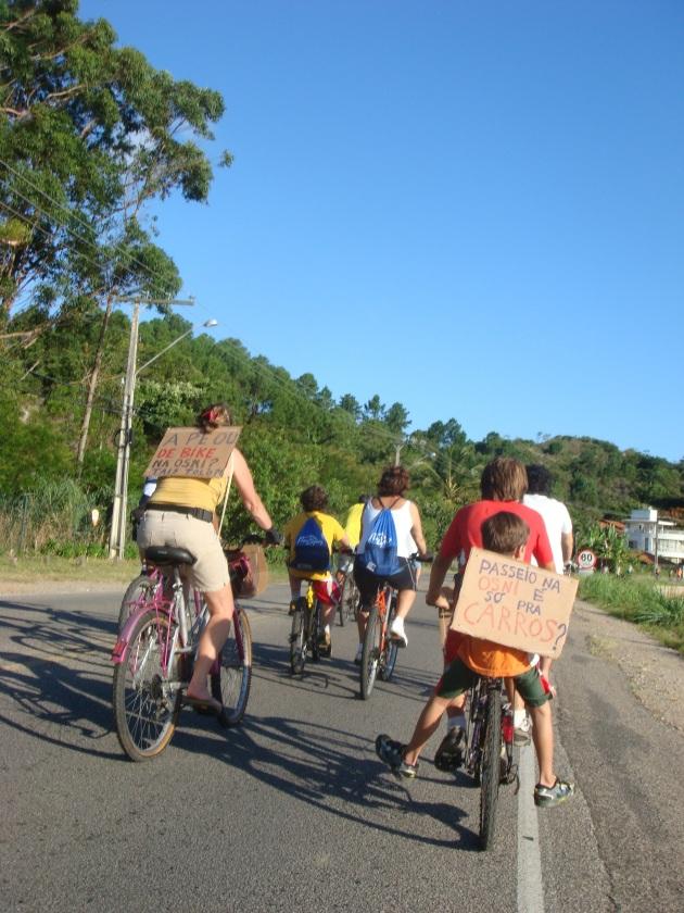 A palavra da população. Foto: Ciclista Fabiano.