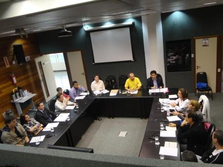 Ciclistas e técnicos discutem projeto de cria Sistema Cicloviário do Estado de Santa Catarina. Foto: Fabiano Faga Pacheco.