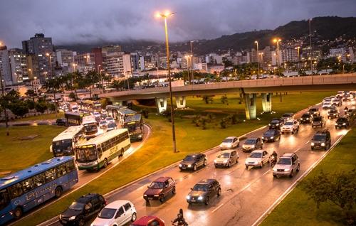 Congestionamentos: Trânsito em Florianópolis está cada vez mais complicado. Foto: Daniel Queiroz / ND.