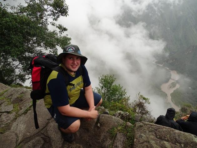 A Serra do Peru não é para qualquer um! E isso me faz lembrar que até  escalando movi-me pelo país. Rio Urubamba sendo apreciado próximo ao cume  da montanha ... e84a968e64df3