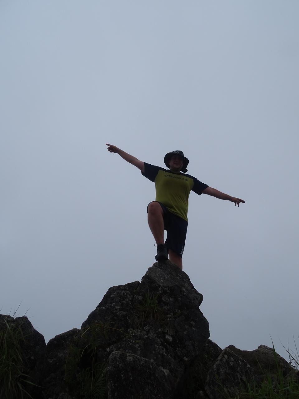 ... de desenvolver trombose ou outras doenças cardiovasculares do que  subindo a Serra num ônibus. Montanha Huchuy Picchu d6f71e30c5918